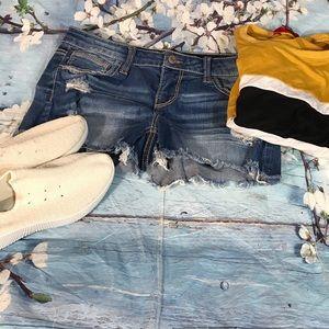 Daytrip distress jean shorts sz29